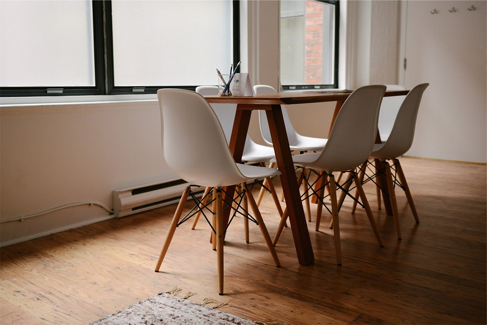 Hardwood flooring with dining table